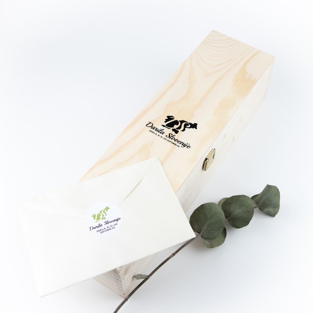 Lesena darilna škatla