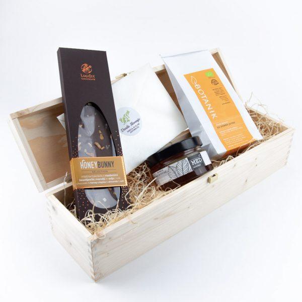 Darilna lesena škatla čokolada med čaj za lepši začetek dneva