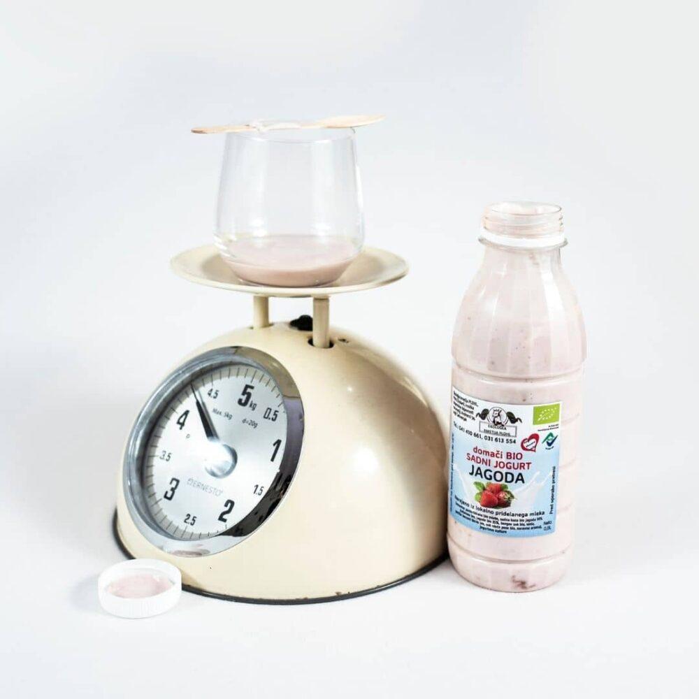 bio-sadni-jogurt-jagoda1