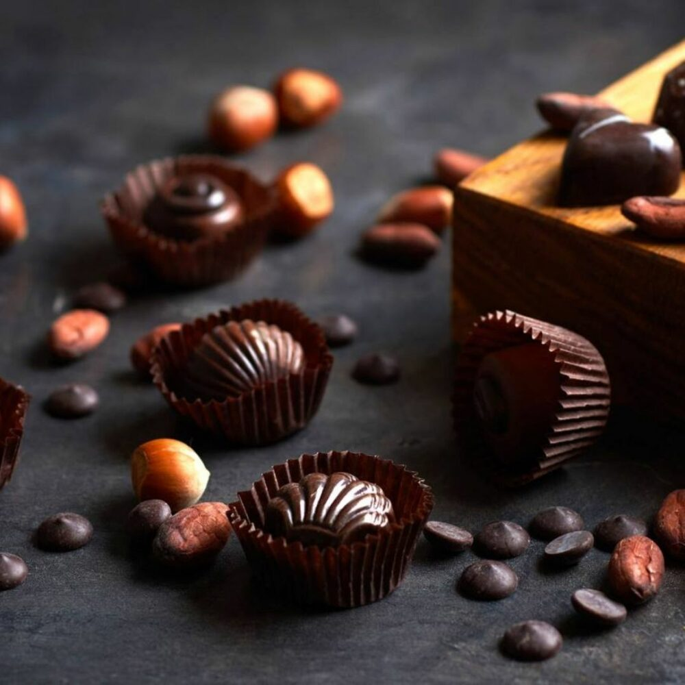Bonboniera Lux 6×6, 36 čokoladnih pralin - 800g Darila Slovenije Čokolada
