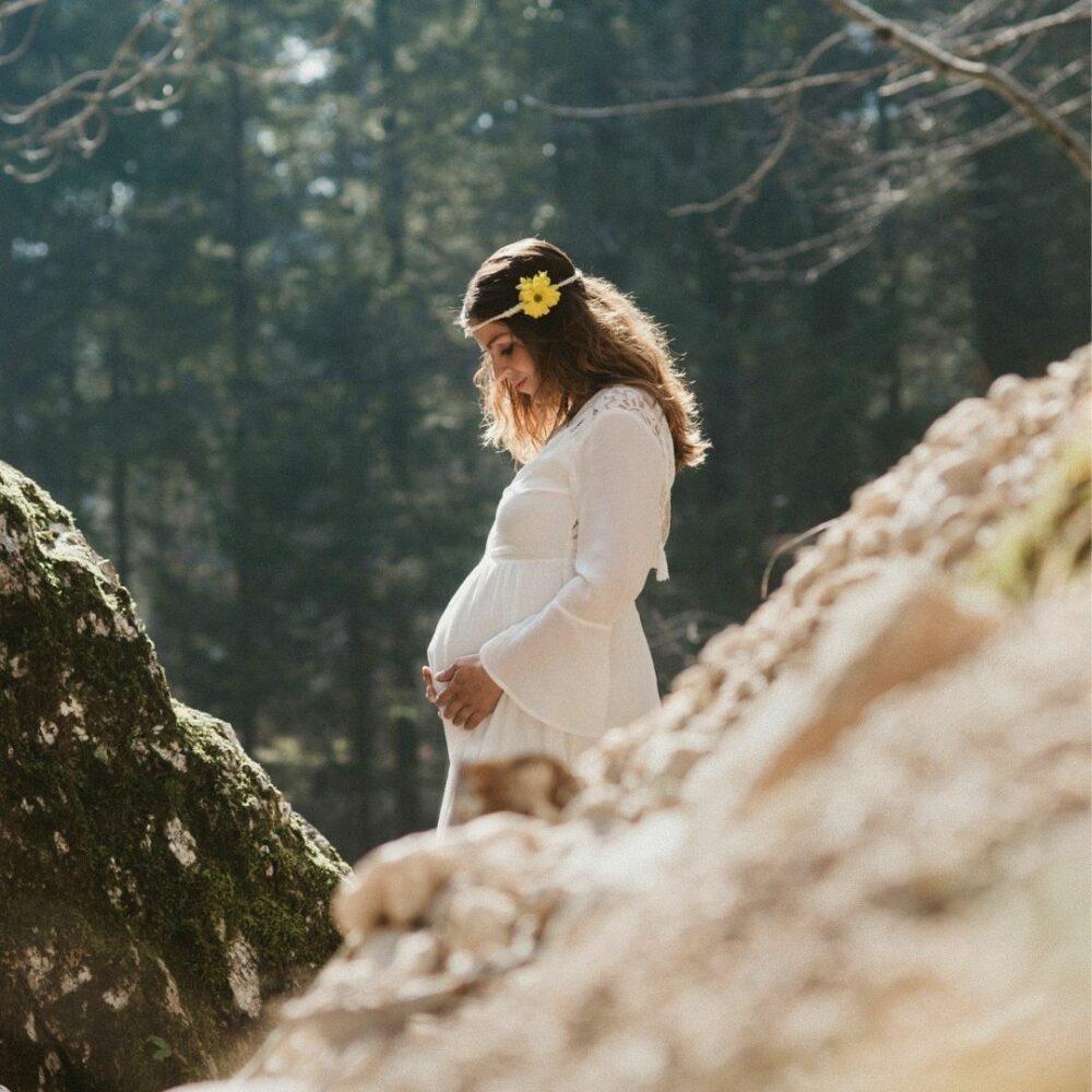 Fotografiranje nosečnice v naravi - Domžale