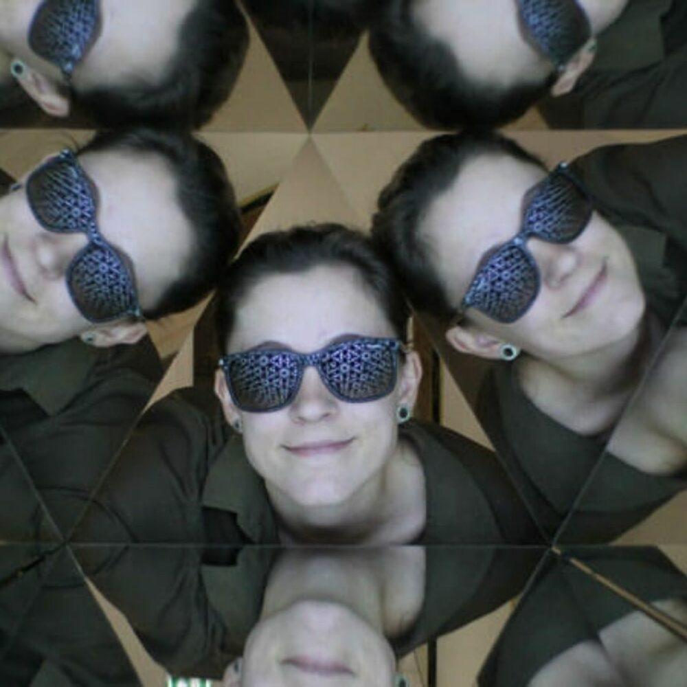 Kombo otroška vstopnica (Slika + Questo dogodivščina) za Hišo iluzij v Ljubljani