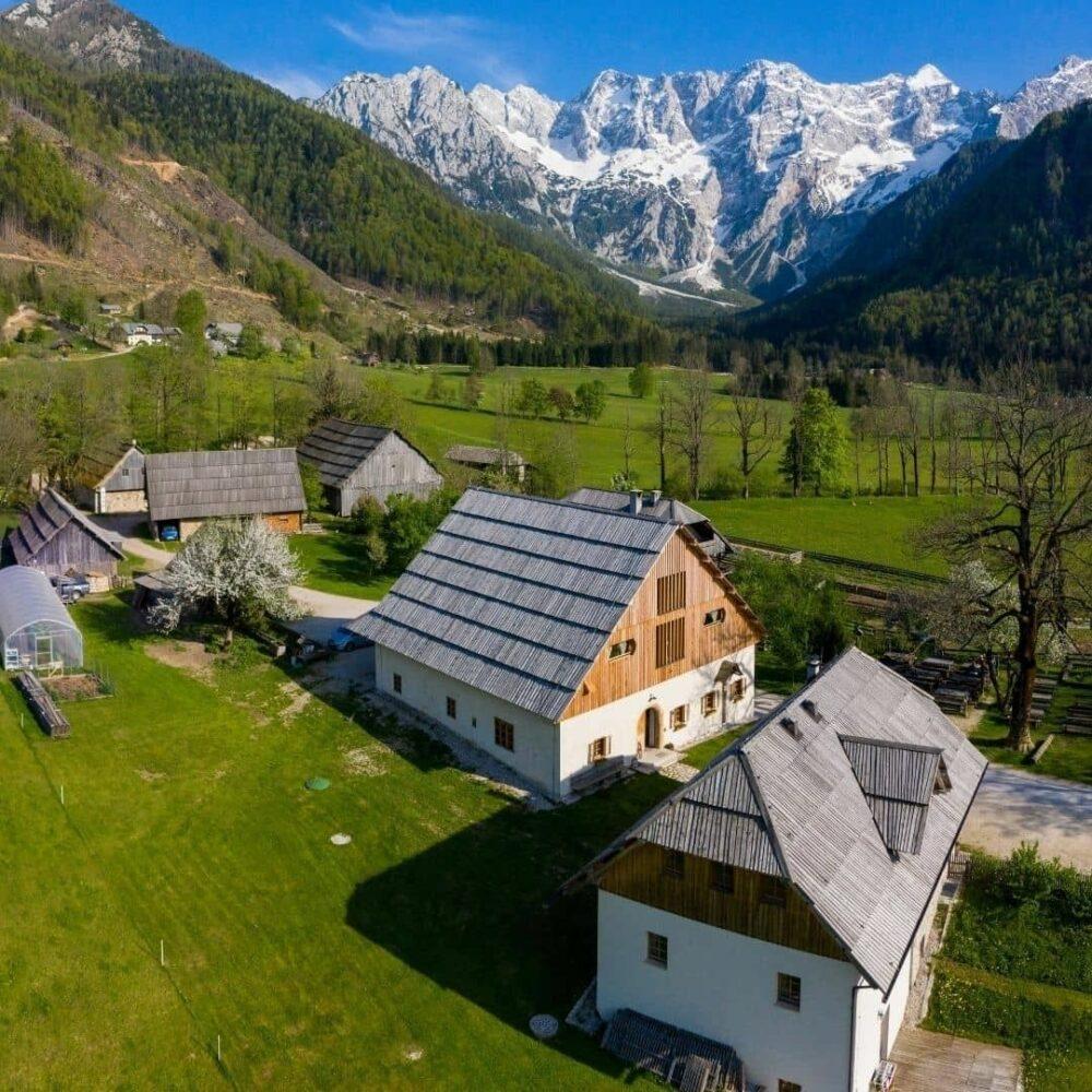 Tridnevni oddih v osrčju gora za dve osebi Darila Slovenije