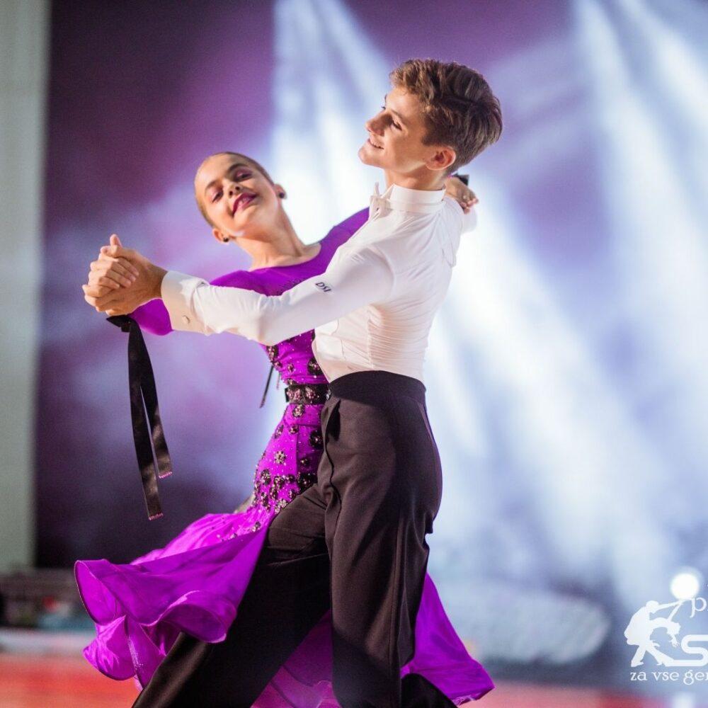 Začetni tečaj latinskoameriški in standardni plesi za otroka – Plesni center Samba ( Maribor)